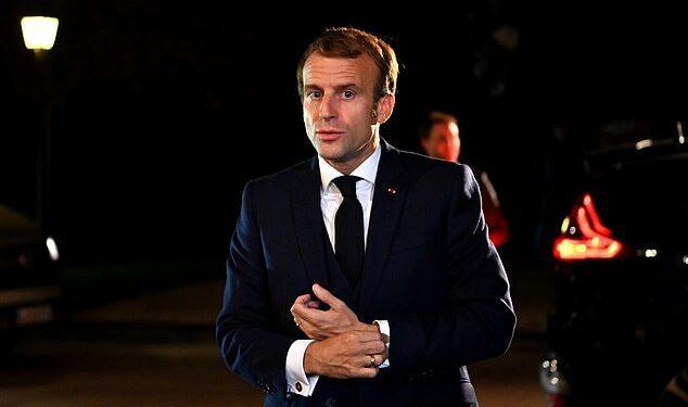 Francia 'robó' casi cinco millones de dosis de vacunas contra el coronavirus que estaban destinadas a Gran Bretaña, según los informes.  Se dice que el presidente Emmanuel Macron conspiró con los jefes de la Unión Europea para detener la exportación de golpes a Gran Bretaña a principios de este año.