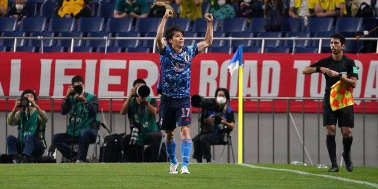 Japón vence 2-1 a Australia en la clasificación para el Mundial