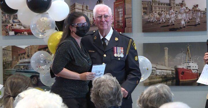 Kingston, Ontario.  casa de retiro honra los esfuerzos de sus empleados - Kingston