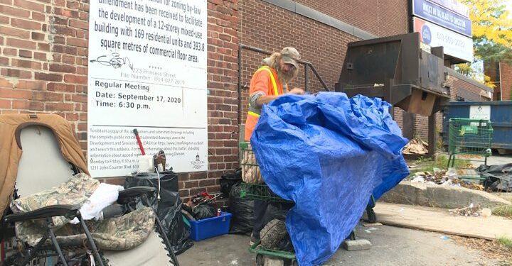 Kingston, Ontario.  para proporcionar a la población sin hogar habitaciones de motel en invierno - Kingston