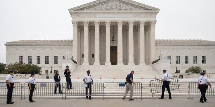 La Corte Suprema señala que se pondrá del lado del fiscal general de Kentucky en un intento por defender la ley restrictiva del aborto