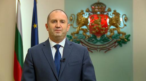 La reelección del general proruso Radev como presidente de Bulgaria se ve amenazada por el profesor de estudios latinos