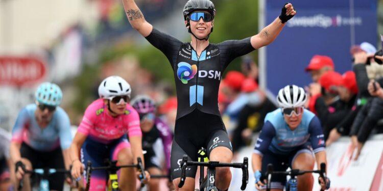 Lorena Wiebes pierde el tren de velocidad, pero aún tiene poder para la victoria de la cuarta etapa en el Women's Tour 2021