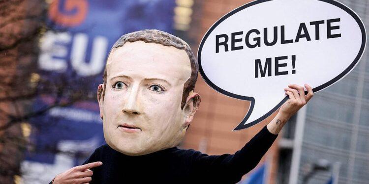 Los eurodiputados exigen una investigación de Facebook tras filtraciones de denunciantes