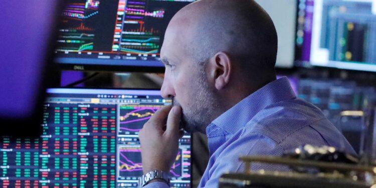Los futuros de Dow caen 200 puntos, lo que apunta a un comienzo de octubre entrecortado y continuo