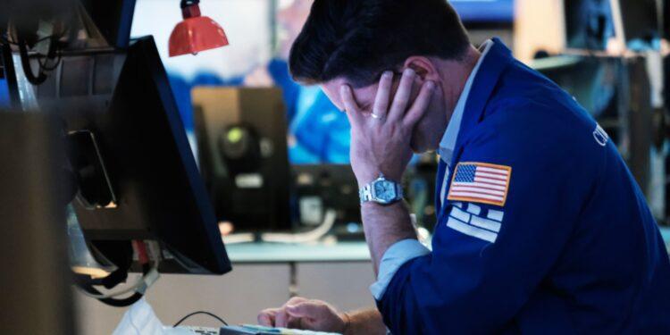 Los futuros de acciones se mantienen planos en las operaciones nocturnas después de un día perdedor