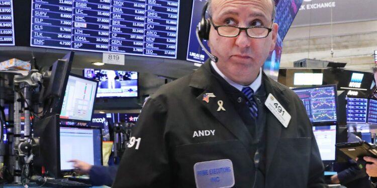 Los futuros de acciones suben a medida que los inversores esperan más resultados de ganancias