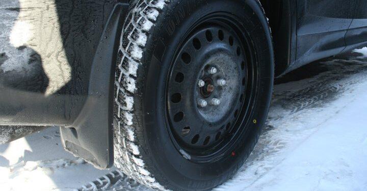 Los neumáticos de invierno son obligatorios en la mayoría de las carreteras de Columbia Británica a partir del 1 de octubre - BC
