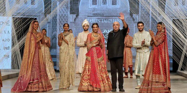 Tarun Tahiliani, Tarun Tahiliani Lakme Fashion Week, designer Tarun Tahiliani