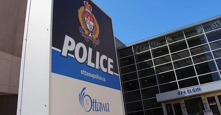 Policía investiga colisión 'grave' con una motocicleta en Ottawa - Ottawa