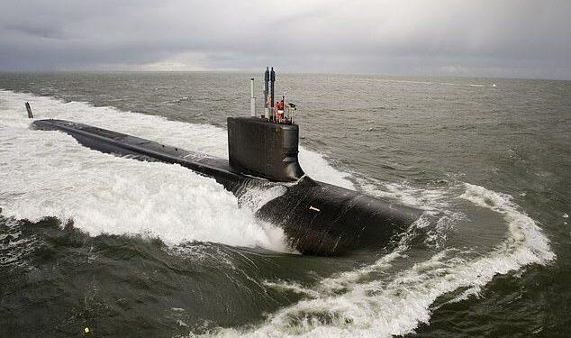 Los australianos pueden enriquecerse invirtiendo en compañías mineras de uranio que se convertirán en las principales beneficiarias de los submarinos de propulsión nuclear (en la foto se muestra un submarino de ataque estadounidense de clase Virginia)