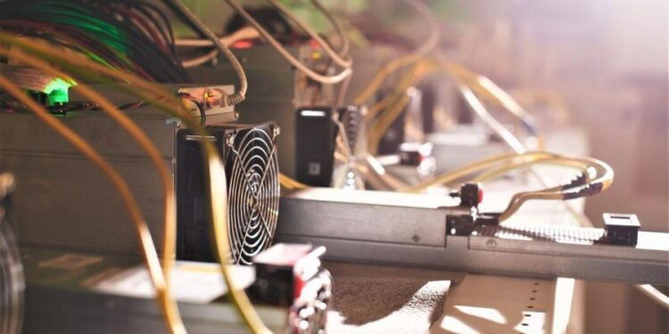 Q4 Forecasts For Bitcoin Miners; Investments In BTC Boom, Ethereum Loses to Solana Too  + More News