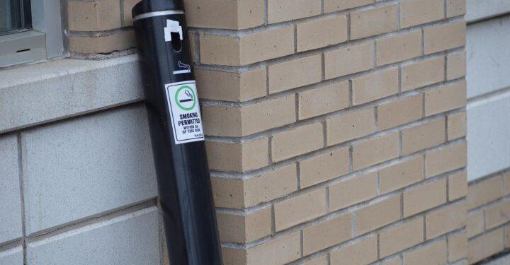 Prohibición de fumar en Halifax: cómo va 3 años después - Halifax