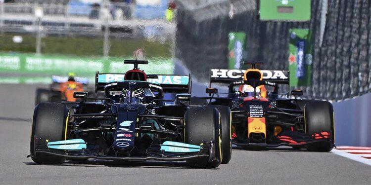 Red Bull tiene sus sospechas sobre las principales debilidades del motor de Mercedes