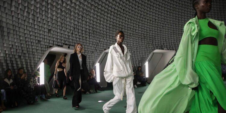 Stella McCartney, Paris Fashion Week, Stella McCartney Paris Fashion Week