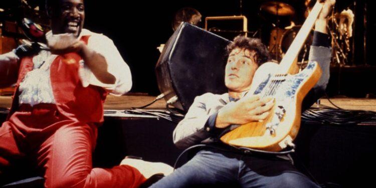 Vea a Bruce Springsteen interpretar 'Sherry Darling' de la película inédita 'Legendary 1979 No Nukes Concerts'